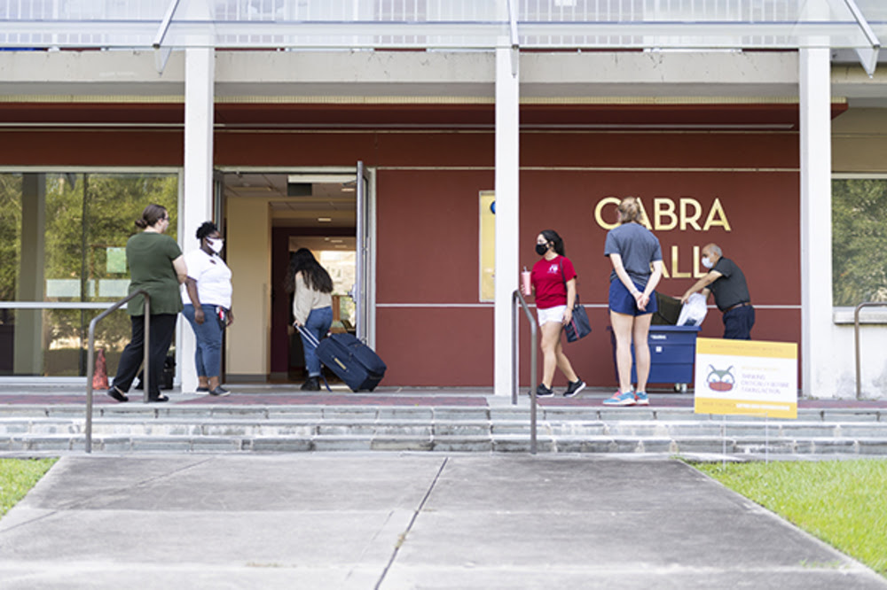 cabra hall move in